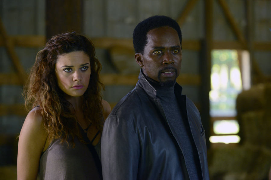 Constantine: Angélica Celaya e Harold Perrineau in Blessed Are The Damned