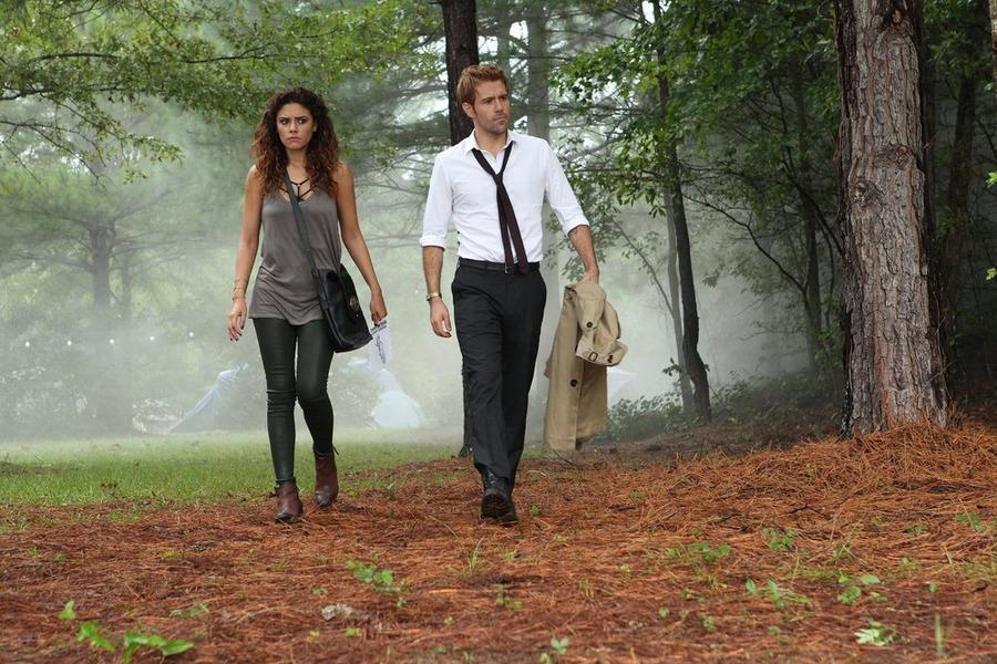 Constantine: Angélica Celaya e Matt Ryan interpretano Zed e Constantine in Blessed Are The Damned