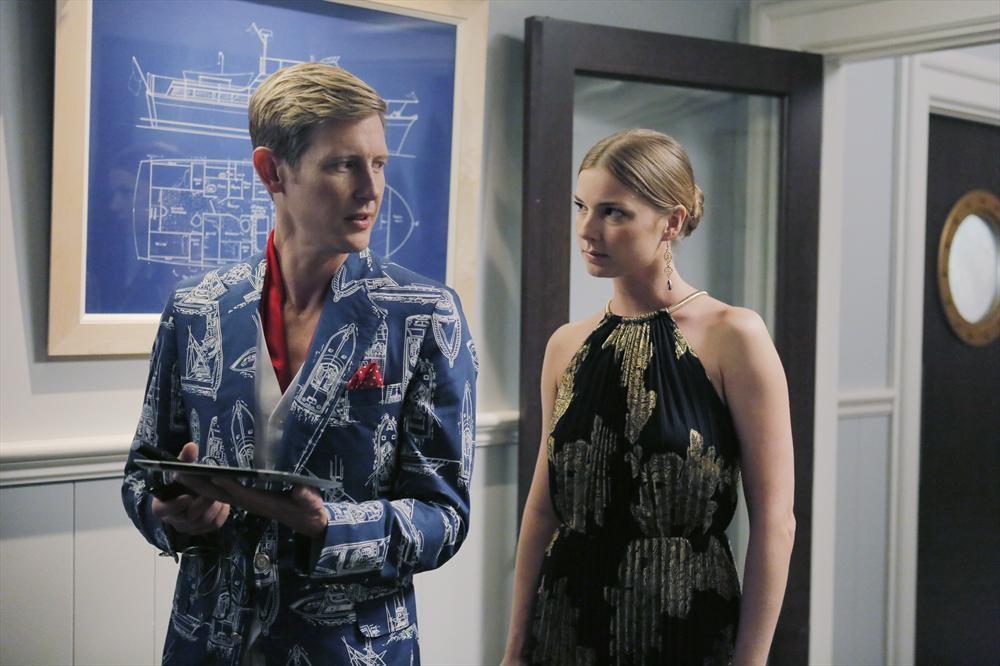 Revenge: Gabriel Mann ed Emily VanCamp in Atonement