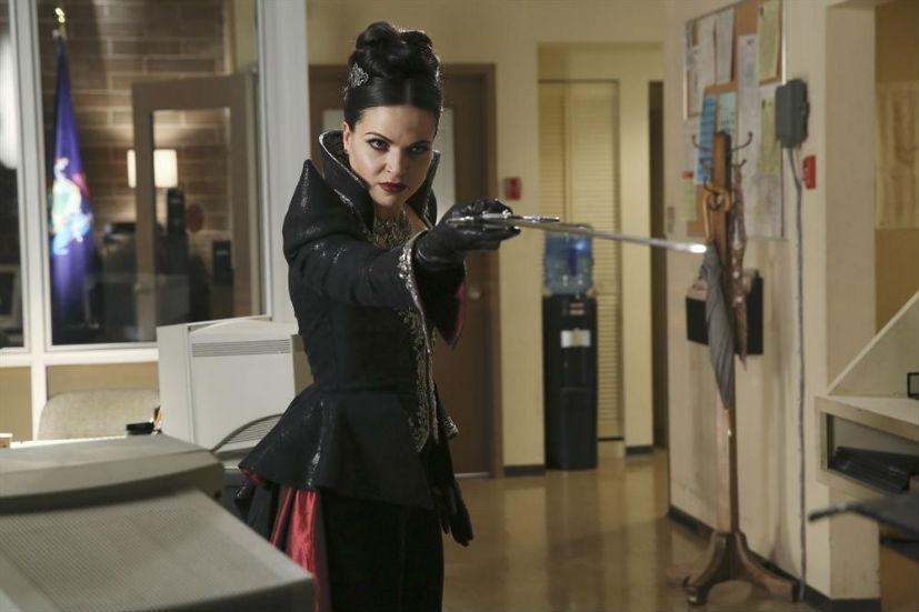 C'era una volta: l'attrice Lana Parrilla nell'episodio Shattered Sight