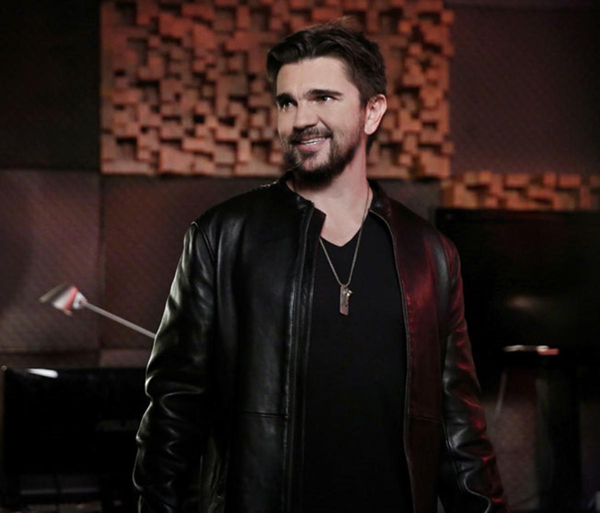 Jane the Virgin: la guest star Juanes in una scena dell'episodio Chapter Eight