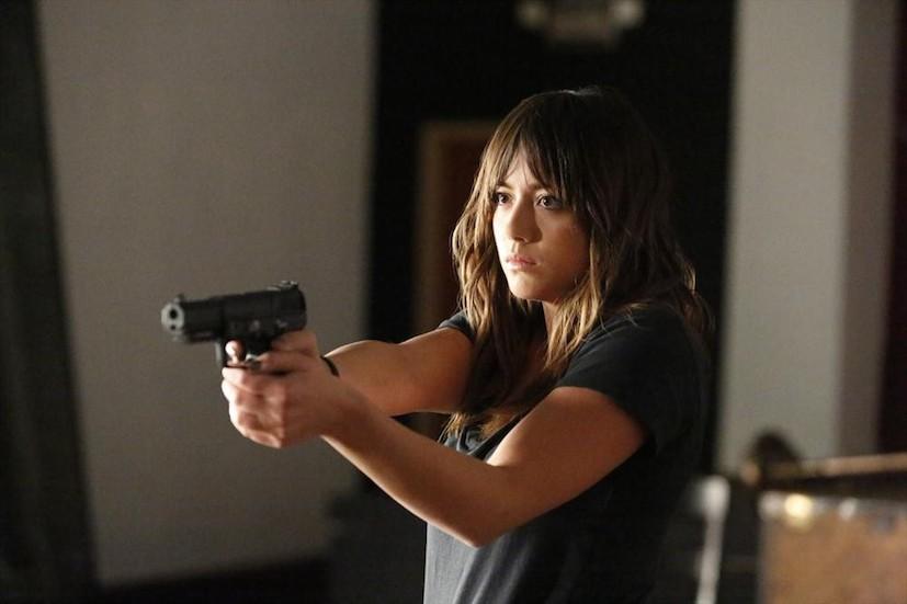 Agents of S.H.I.E.L.D.: l'attrice Chloe Bennet in una scena della puntata What They Become