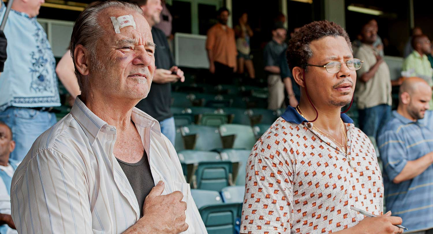 St. Vincent: Bill Murrayinsieme a Terrence Howard in una scena
