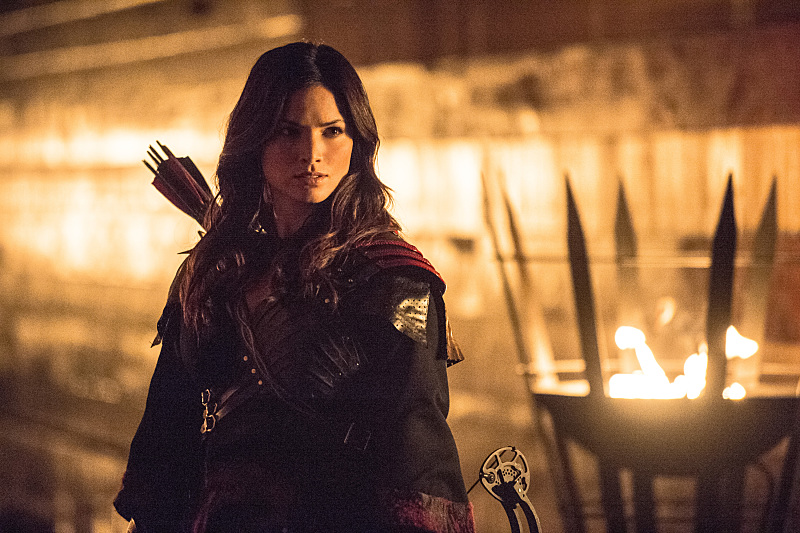 Arrow: l'attrice Katrina Law in una scena di The Climb