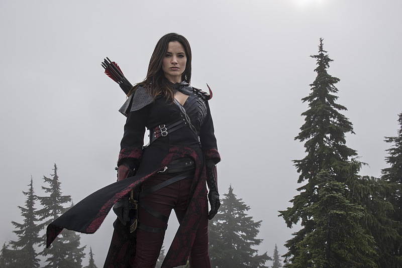 Arrow: l'attrice Katrina Law interpreta Nyssa al Ghul in The Climb