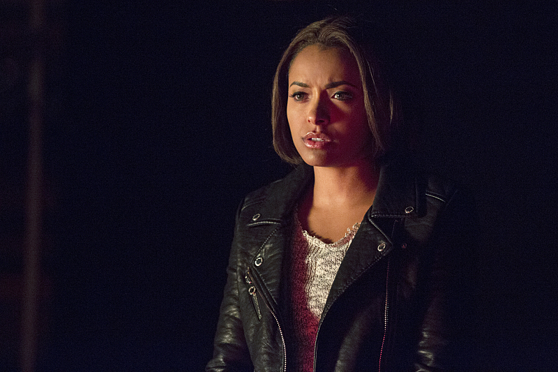 The Vampire Diaries: l'attrice Katerina Graham in una scena dell'episodio Christmas Through Your Eyes
