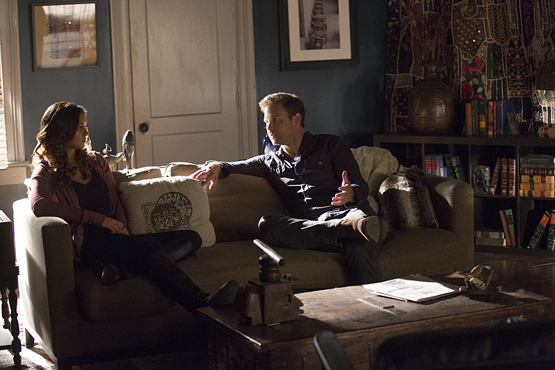 The Vampire Diaries: Nina Dobrev e Matthew Davis in Christmas Through Your Eyes