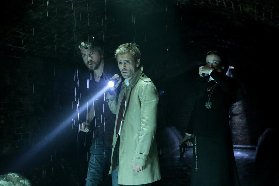 Constantine: Charles Halford, Matt Ryan e Claire van der Boom in The Saint of Last Resorts (1)