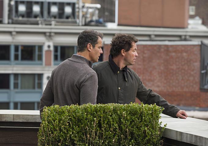 The Affair: Josh Stamberg e Dominic West in una scena della nona puntata