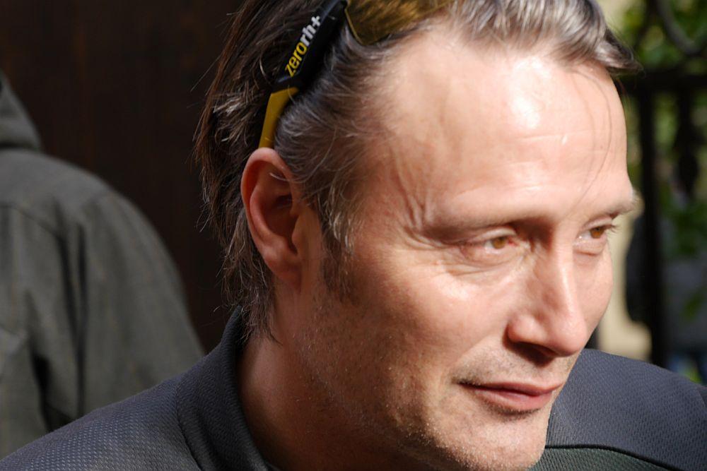 Hannibal: un primo piano di Mads Mikkelsen a Firenze