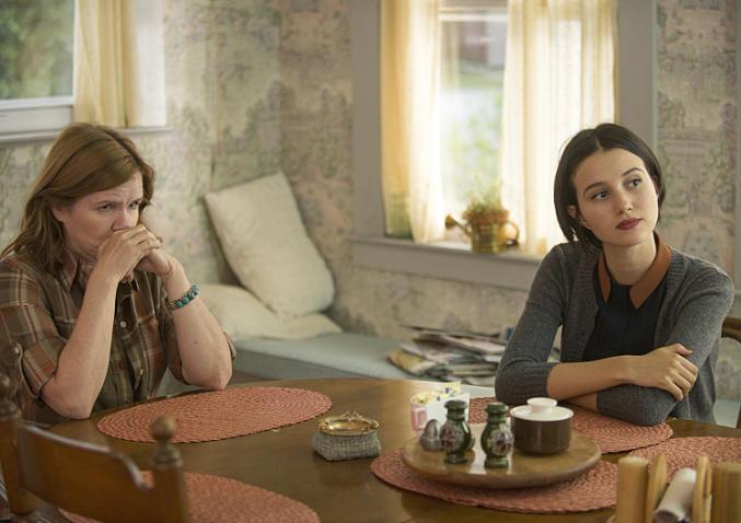 The Affair: Mare Winningham e Julia Goldani Telles in una scena del decimo episodio