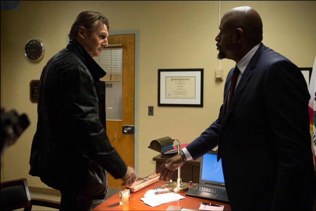 Taken 3 - L'ora della verità: Liam Neeson e Forest Whitaker in una scena del film