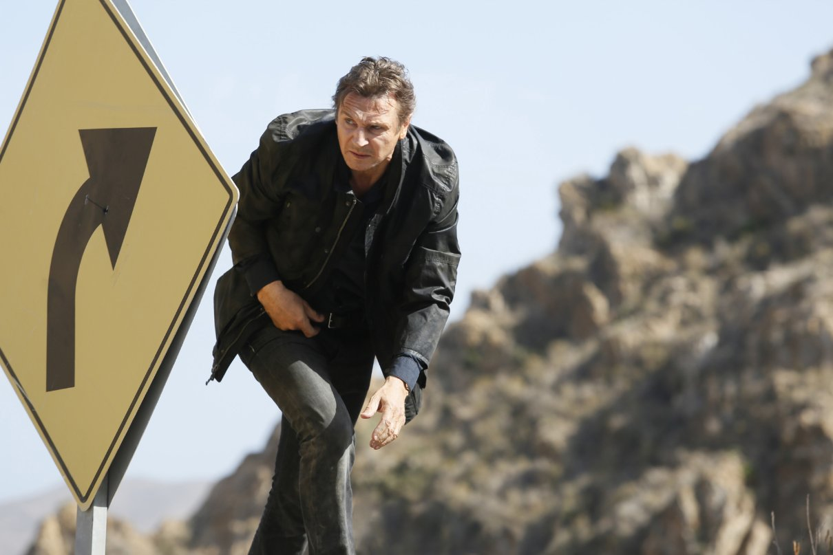 Taken 3 - L'ora della verità: Liam Neeson in una scena dell'action movie di Olivier Megaton