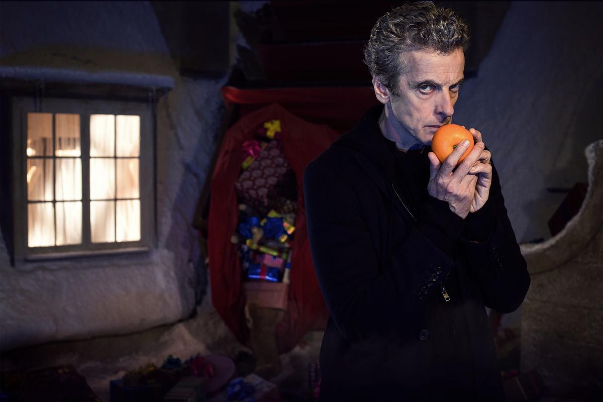 Doctor Who: Peter Capaldi in una foto promozionale dell'episodio Last Christmas