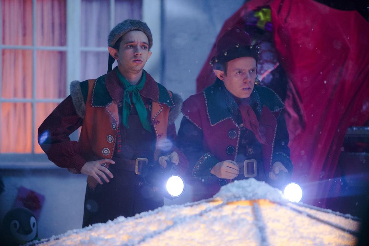 Doctor Who: Dan Starkey e Nathan McMullen in una scena di Last Christmas