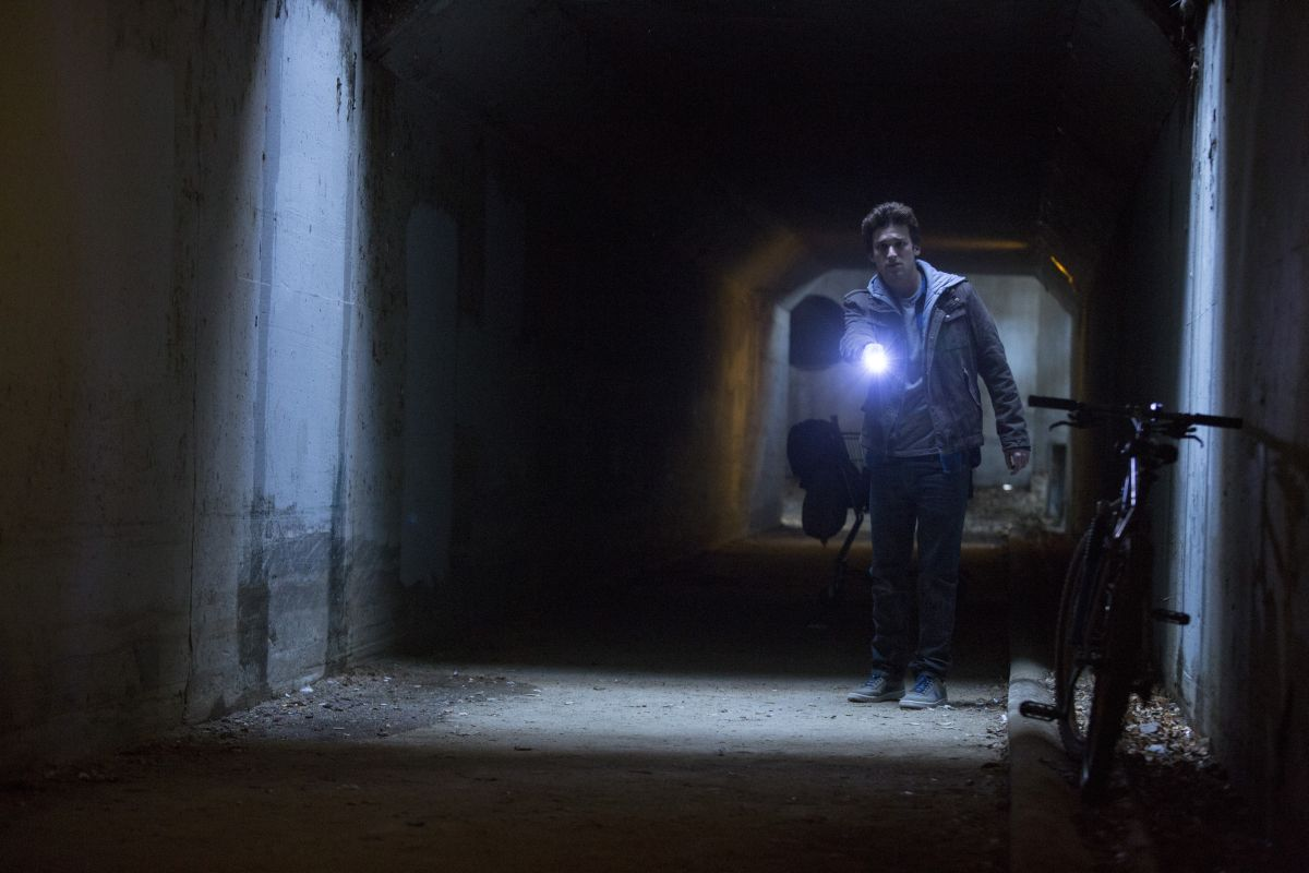 Ouija: Daren Kagasoff in una scena del film horror