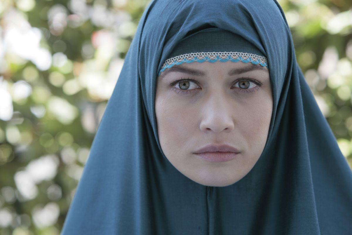 The Water Diviner: Olga Kurylenko in una scena del film nei panni di Ayshe