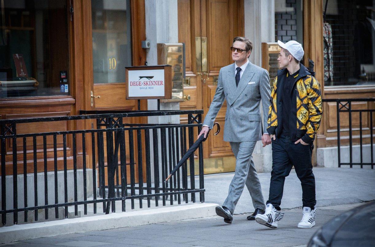 Kingsman: Secret service:  Colin Firth e Taron Egerton in una scena