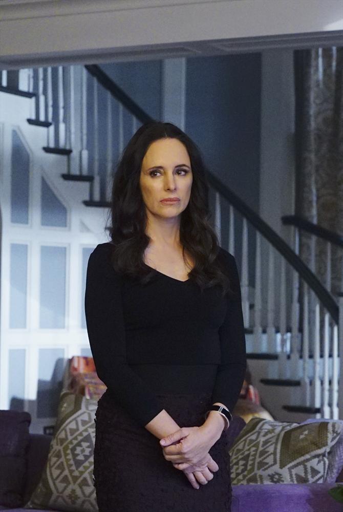 Revenge: Madeleine Stowe interpreta Victoria in Epitaph