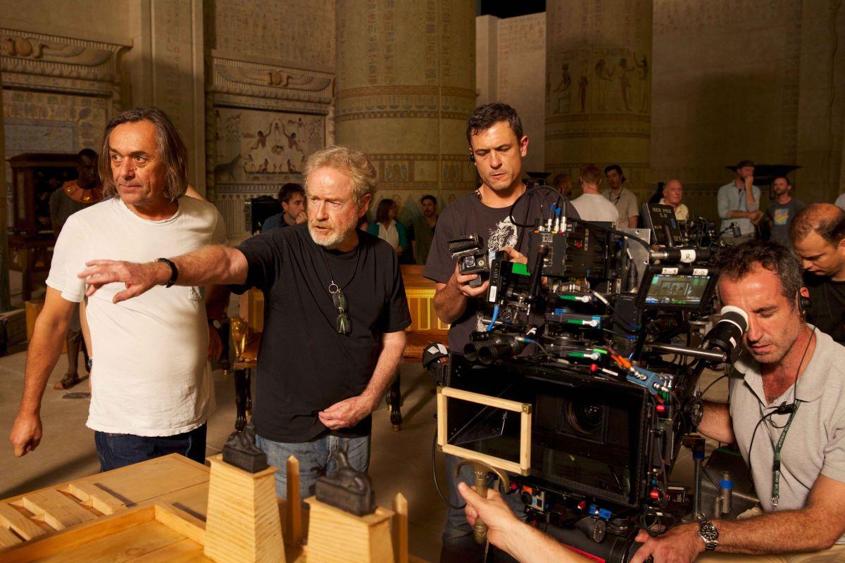 Exodus - Dei e Re: Ridley Scott in una foto dal set del film