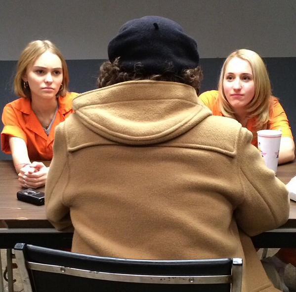Yoga Hosers: le protagoniste Lily-Rose Depp e Harley Quinn Smith. Di spalle intravediamo anche Johnny Depp