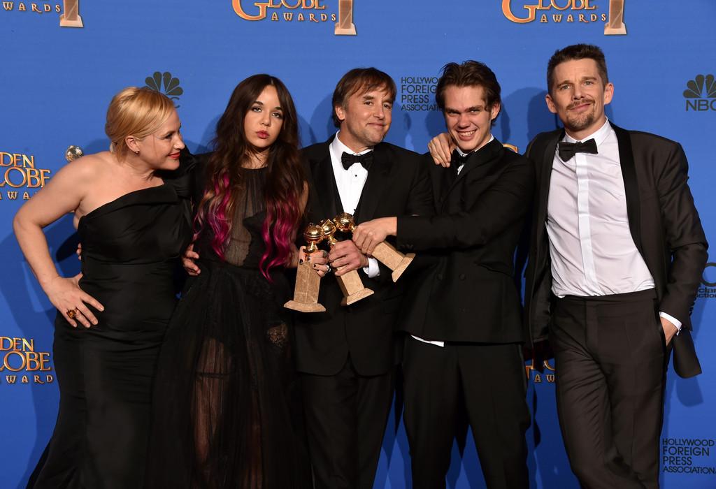 Cast e regista di Boyhood con i premi vinti ai Golden Globes 2015