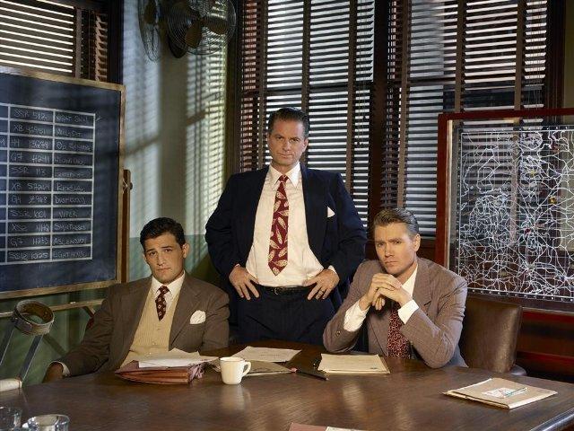 Agent Carter: Chad Michael Murray, Shea Whigham, Enver Gjokajin una foto promozionale della serie ABC