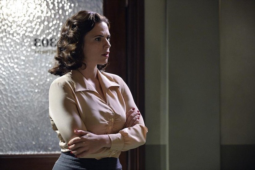 Agent Carter: Hayley Atwell interpreta Peggy Carter in Time and Tide