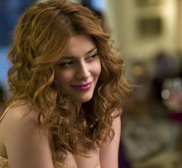 Revenge: l'attrice Elena Satine in una scena dell'episodio intitolato Abduction