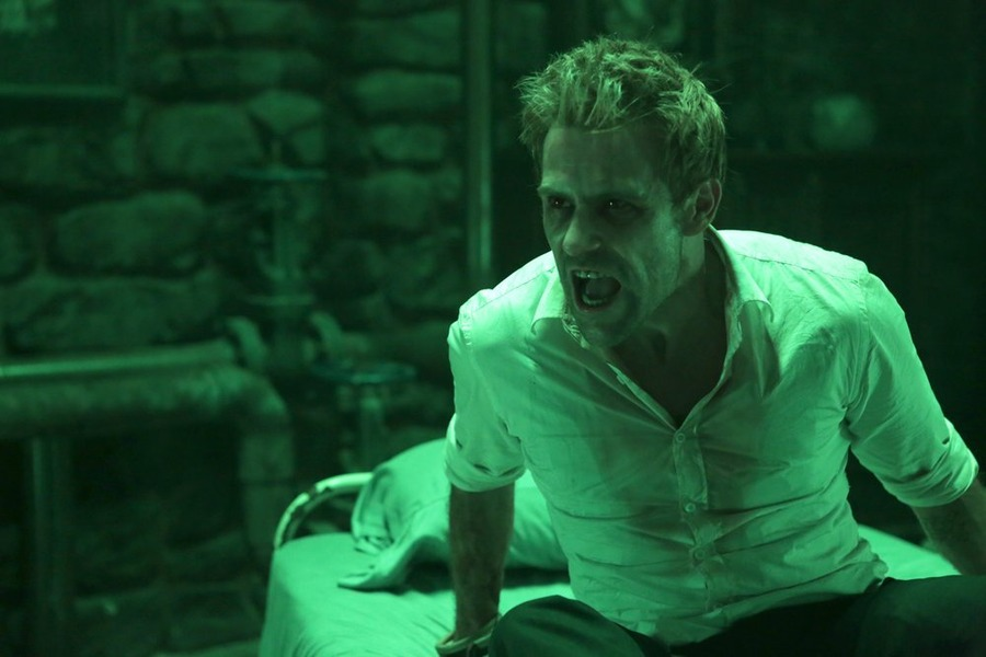 Constantine: il protagonista Matt Ryan in The Saint of Last Resorts (2)