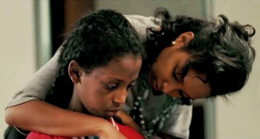 Difret - Il coraggio per cambiare: Meron Getnet  in una scena con Tizita Hagere