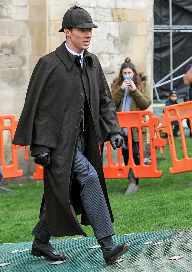 Sherlock: Benedict Cumberbatch sul set dell'episodio speciale
