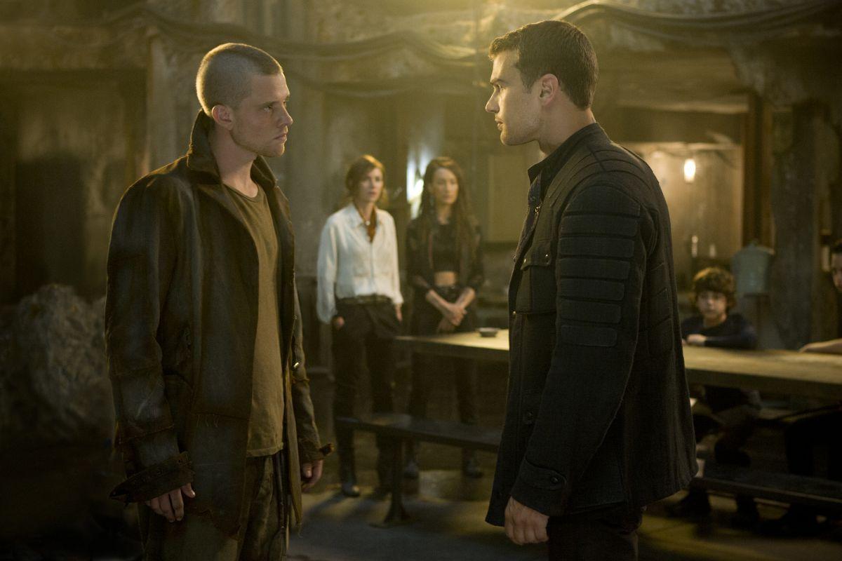 The Divergent Series: Insurgent - Theo James in una scena del film