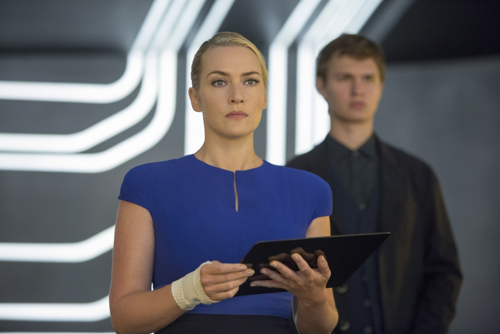 The Divergent Series: Insurgent - Kate Winslet in una scena del film