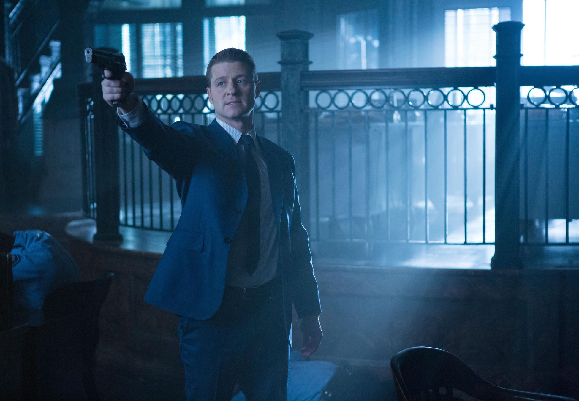 Gotham: Ben McKenzie interpreta James Gordon in What the Little Bird Told Him