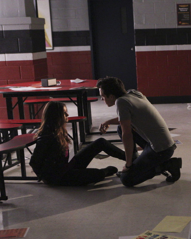 The Vampire Diaries: Nina Dobrev e Chris Wood in Woke Up With a Monster