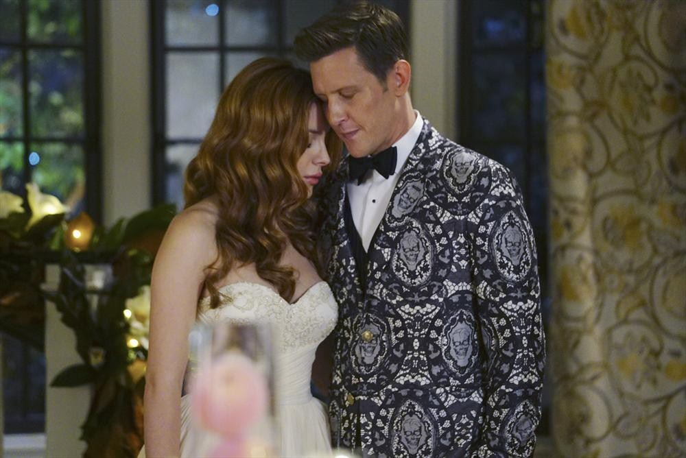 Revenge: Elena Satine e Gabriel Mann in Kindred