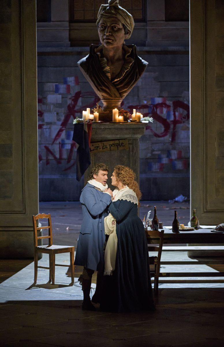 Royal Opera House - Andrea Chénier: Jonas Kaufman con Eva Marie Westbroeke in una scena