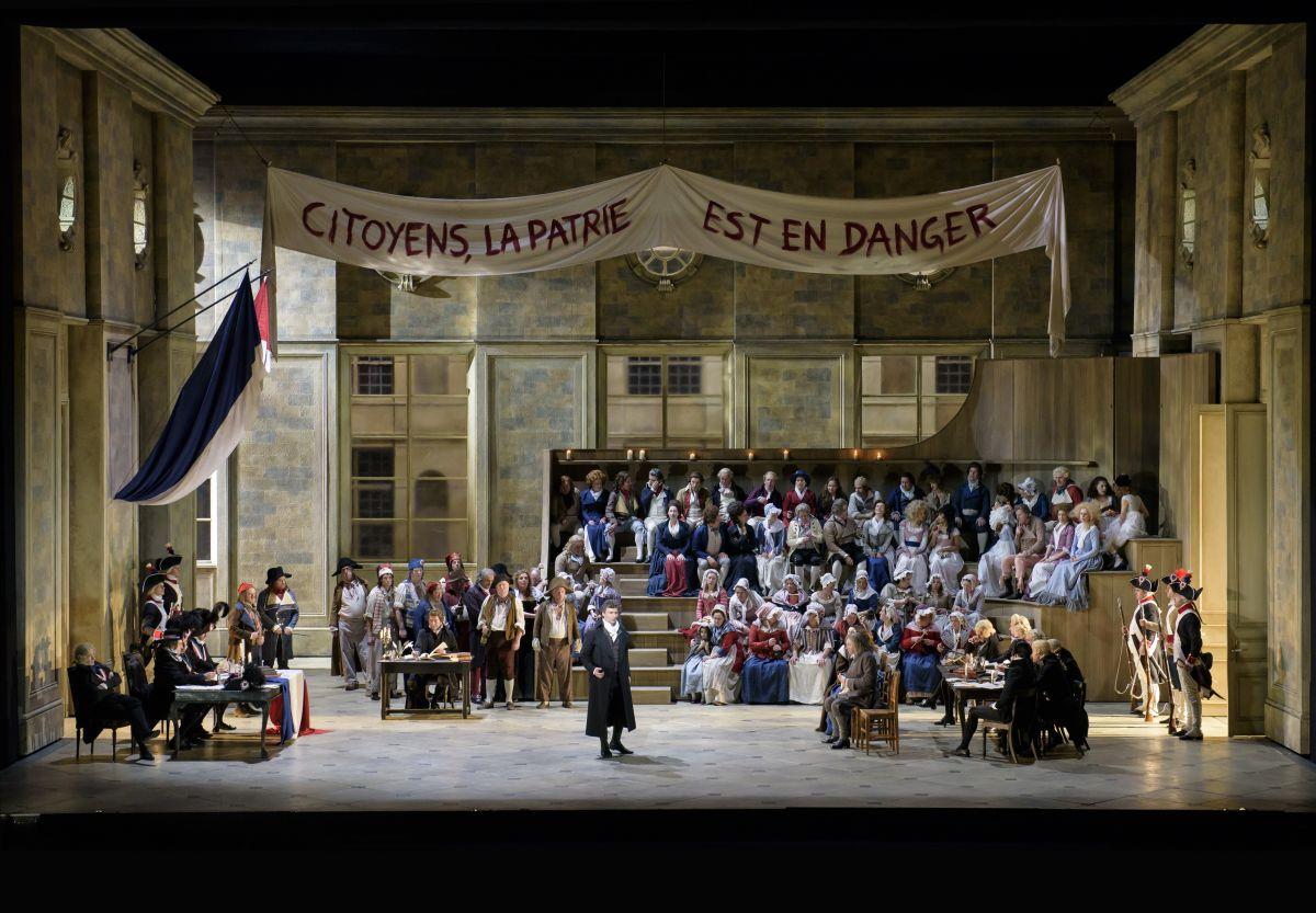 Royal Opera House - Andrea Chénier: Jonas Kaufman nei panni di Andrea Chénier in una scena tratta dallo spettacolo