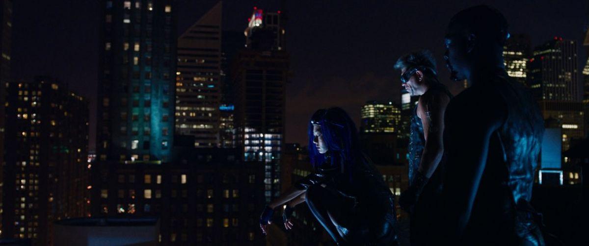 Jupiter - Il Destino dell'Universo: Doona Bae in una scena del film