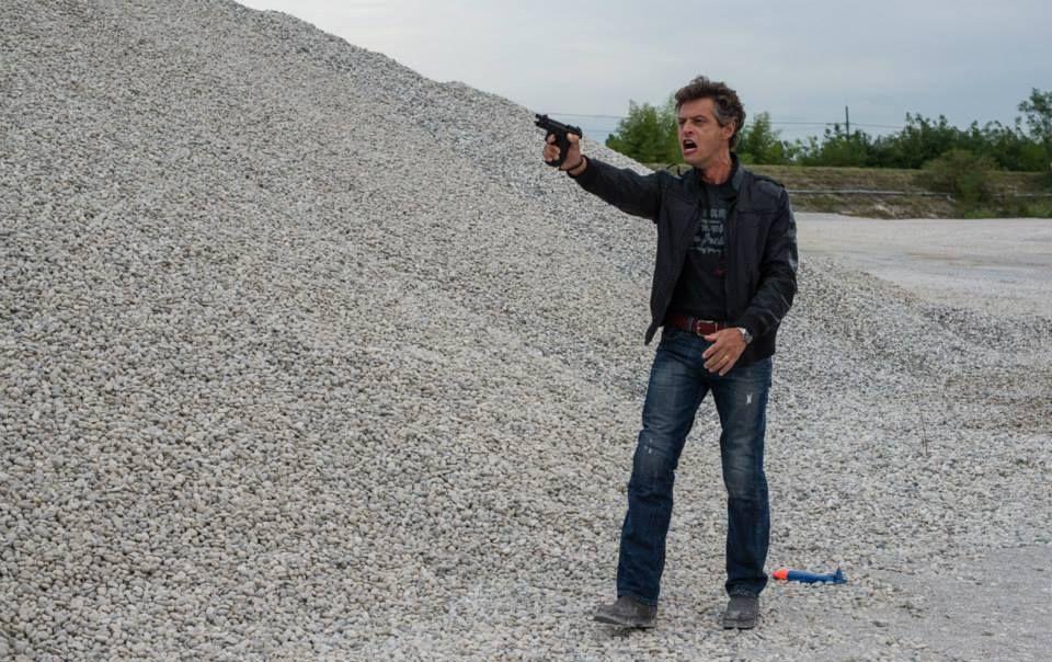 Leoni: Stefano Pesce nel ruolo di Alessio in una scena