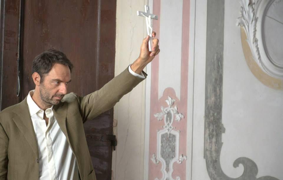 Leoni: Neri Marcorè in un'immagine del film