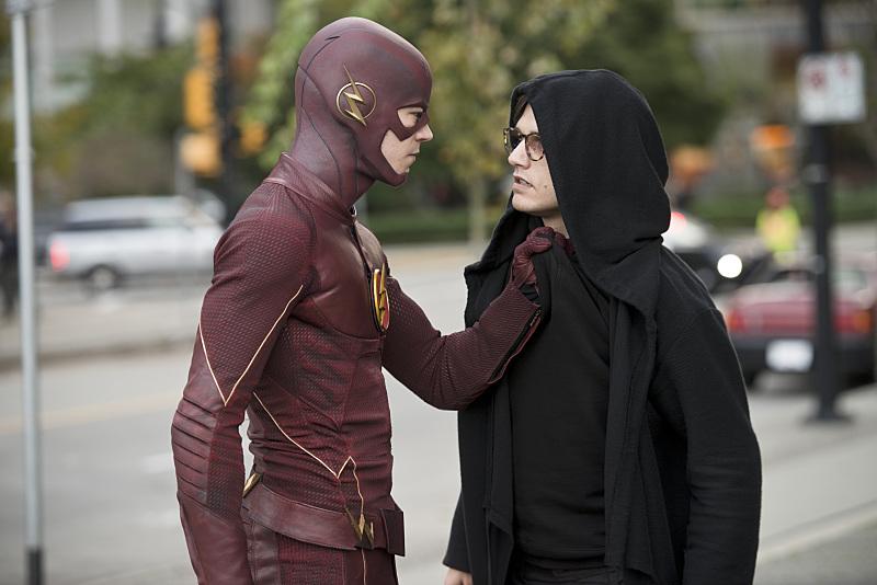 The Flash: gli attori Grant Gustin e Andy Mientus in The Sound and the Fury