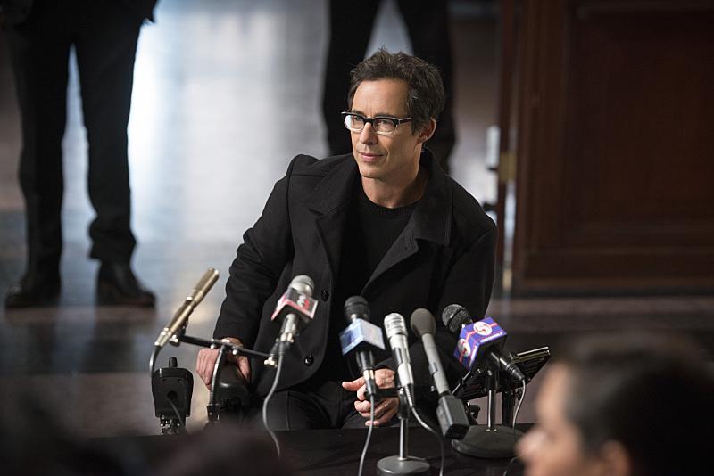 The Flash: l'attore Tom Cavanagh nell'episodio The Sound and the Fury