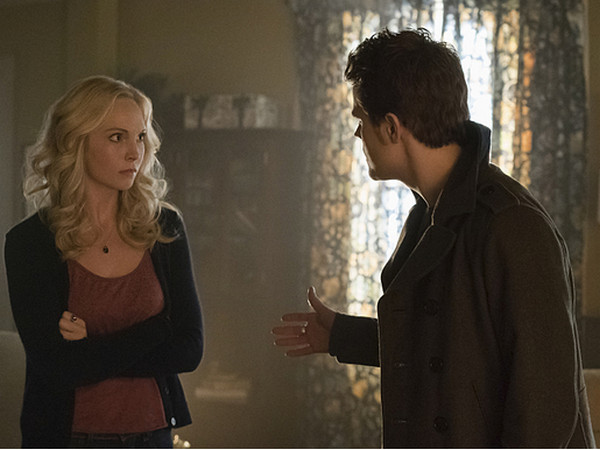 The Vampire Diaries: Candice Accola e Paul Wesley nella puntata intitolata Prayer For the Dying