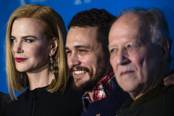 Queen of the Desert: il regista Werner Herzog circondato da Nicole Kidman e James Franco e Damian Lewis a Berlino