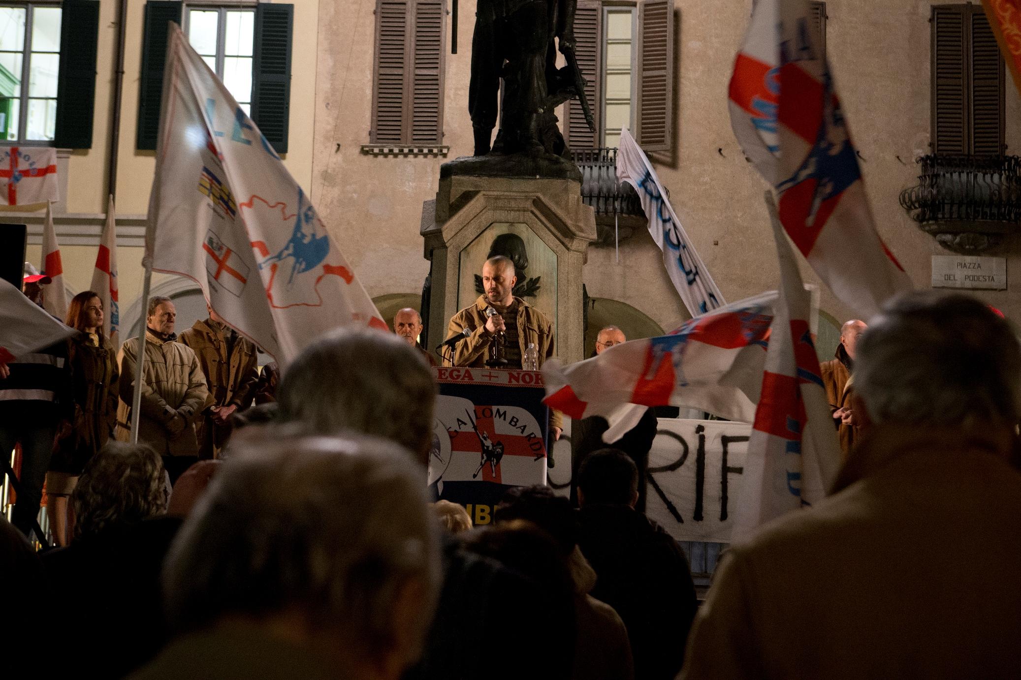 1992: Guido Caprino in una scena della serie Sky