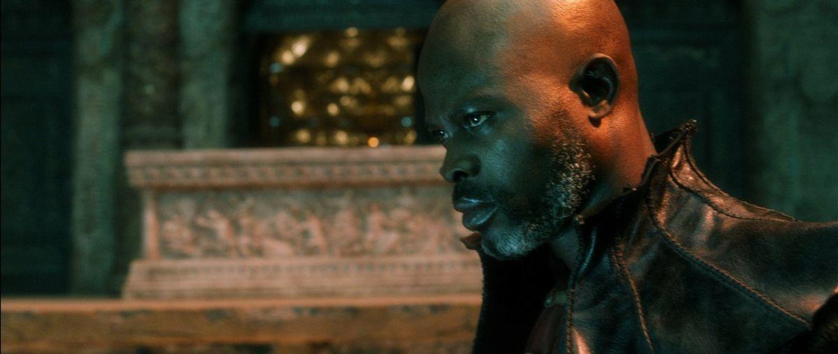 Il settimo figlio: Djimon Hounsou in una scena del film