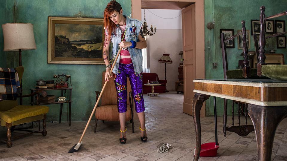 Noi e la Giulia: Anna Foglietta nel ruolo di Elisa in una scena del film