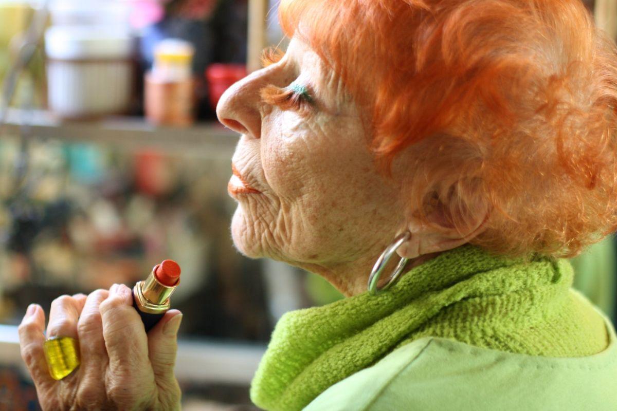 Advanced Style: Ilona Smithkin in una scena del documentario